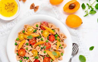 Receita Salada de Massa, Ervilhas e Nêsperas