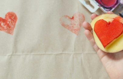 Atividades para Crianças nas férias de Carnaval: carimbos caseiros