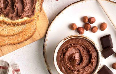 Creme de chocolate e avelãs