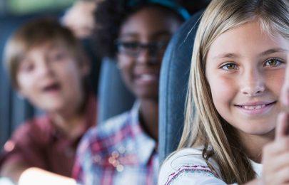 As vantagens de contratar empresas de transporte de crianças