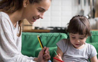 Como ajudar os mais novos a habituarem-se ao babysitting